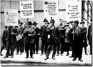 300px-Eugenics_supporters_hold_signs_on_Wall_Street